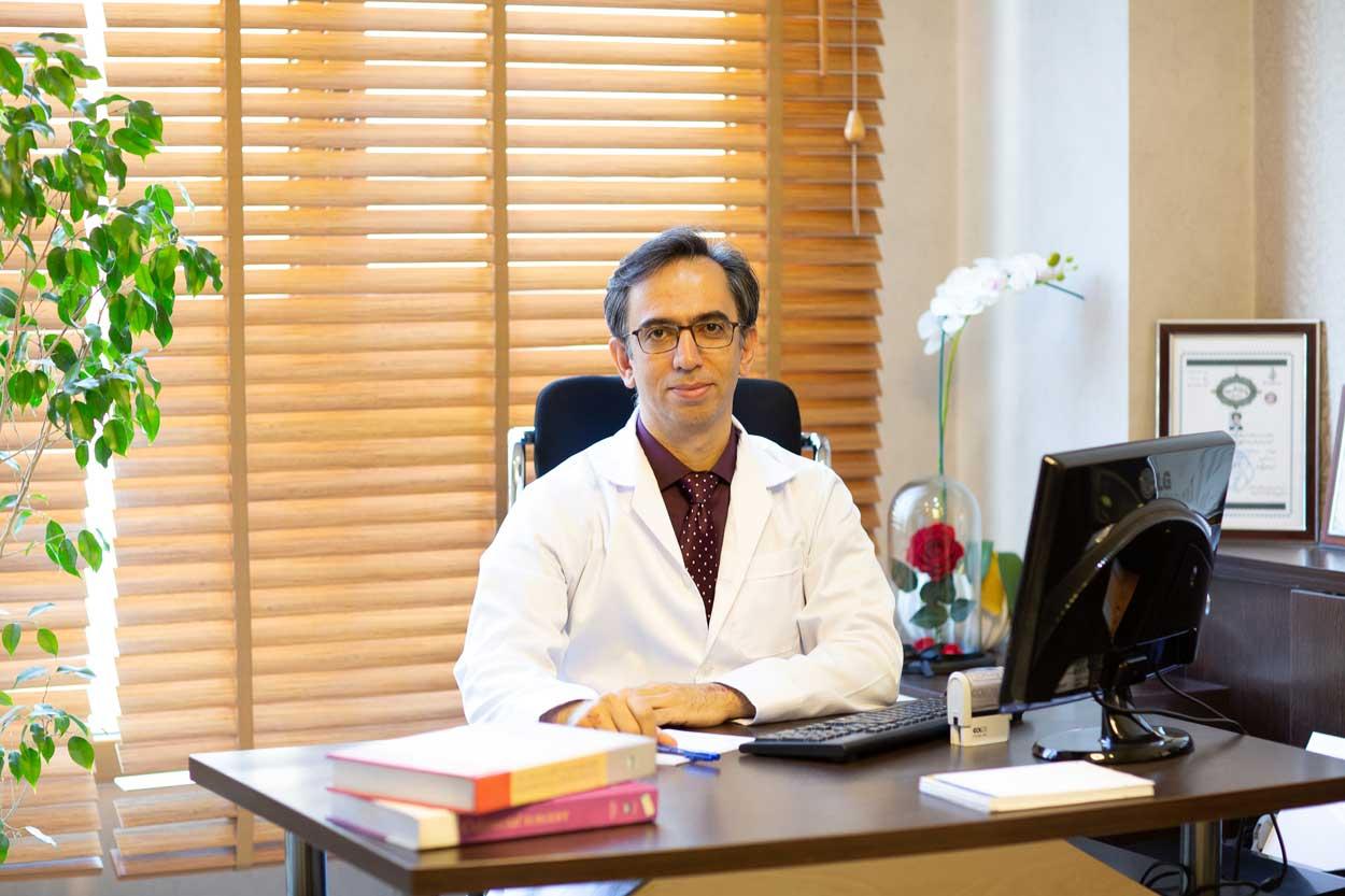 دکتر یوسف فام جراح کلورکتال
